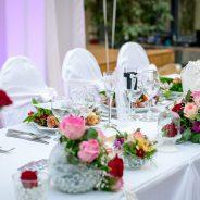 Cómo decorar la mesa principal de tu evento
